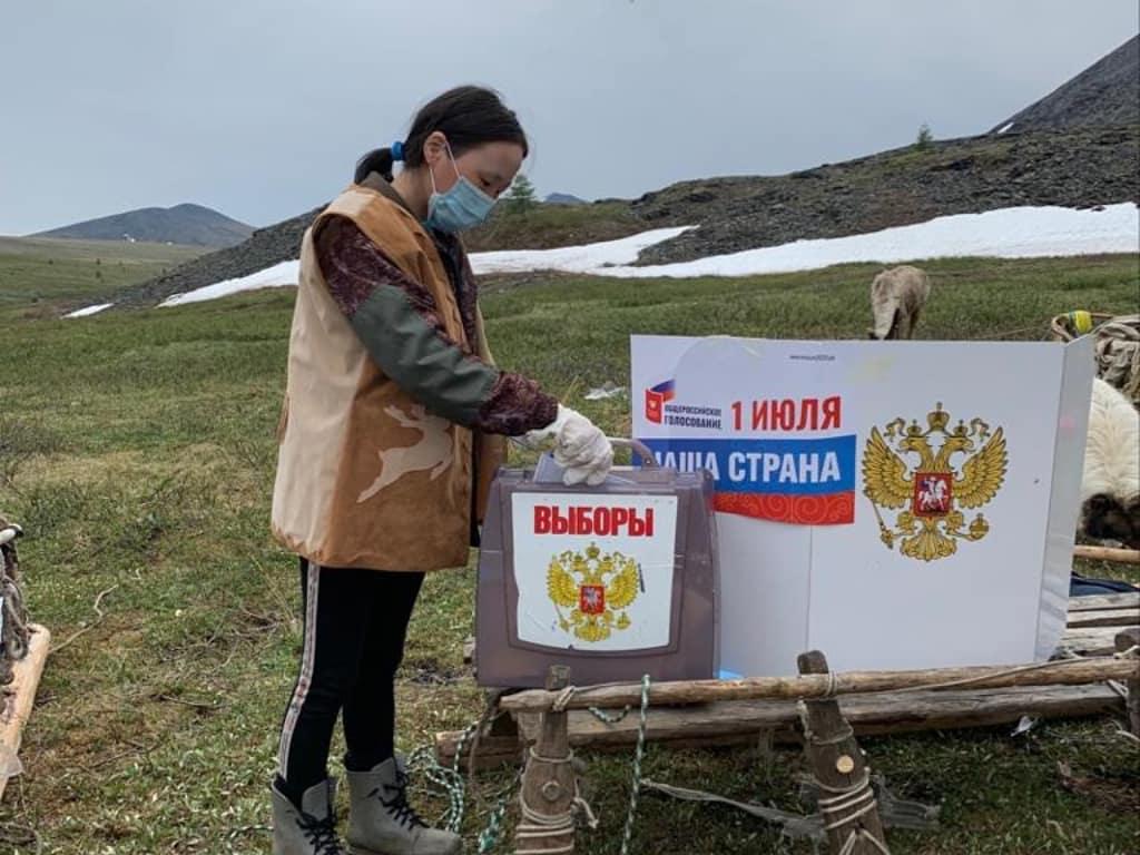 В Якутии оленеводы проголосовали по поправкам в Конституцию