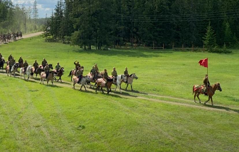 В Верхневилюйске начинается конный Парад Победы