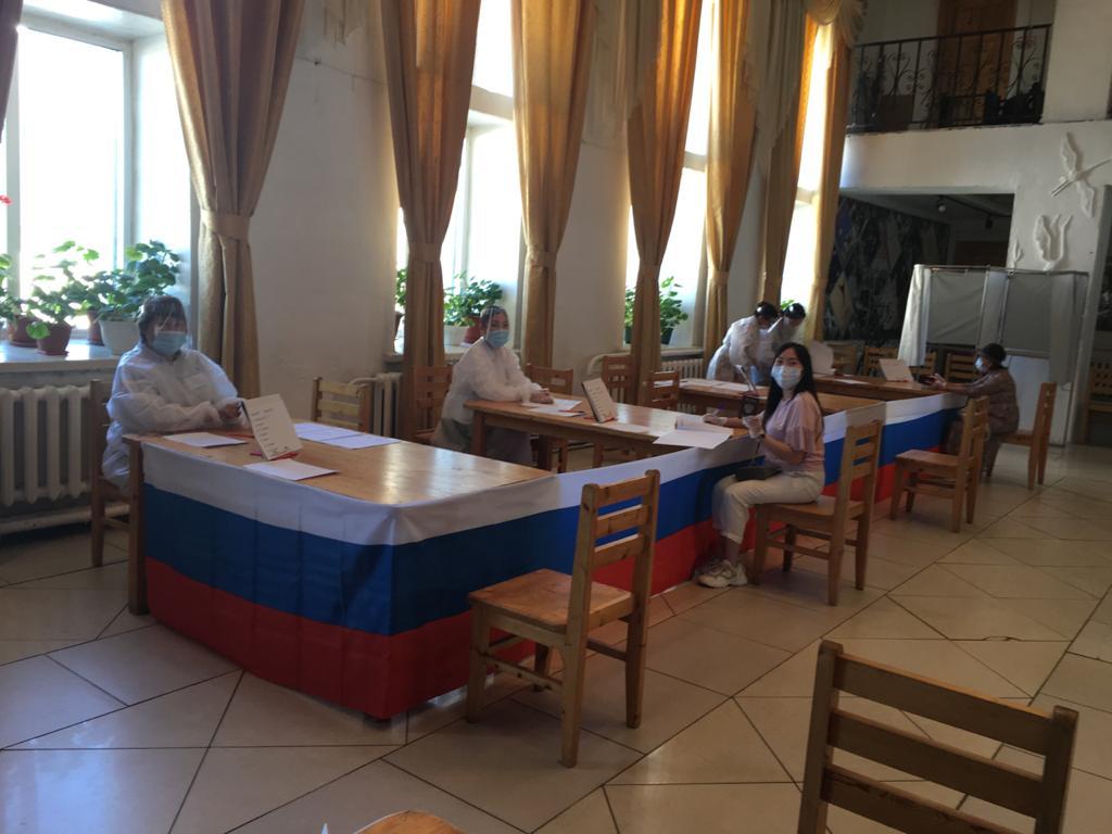 17 избирательных участков заработали в Амгинском районе