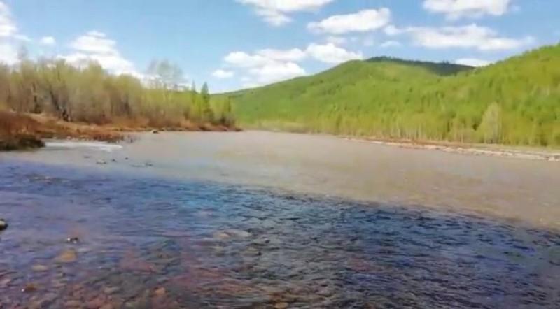 Минэкологии проводит проверку по факту загрязнения реки в Алданском районе