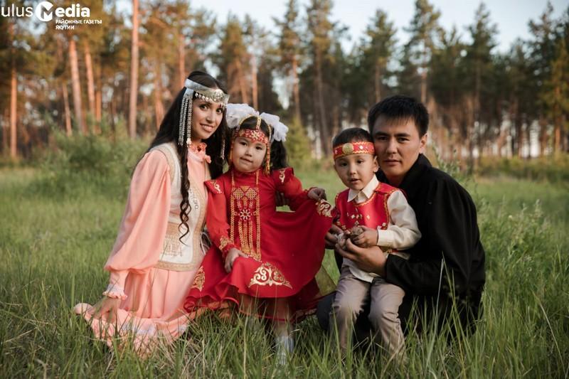 Сохранение семейных ценностей важно для будущего детей: Алена Копылова