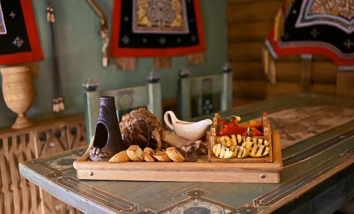 Кулинары поздравили якутян с Днем России и поделились рецептами выпечки и запеченного мяса