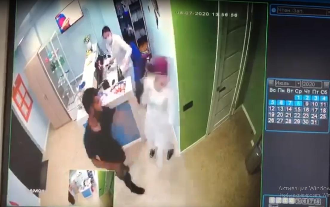 Видео: Виновник инцидента в частной клинике задержан полицейскими