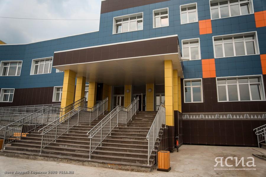 Мария Петрова: Радует, что в Якутске работает программа строительства школ