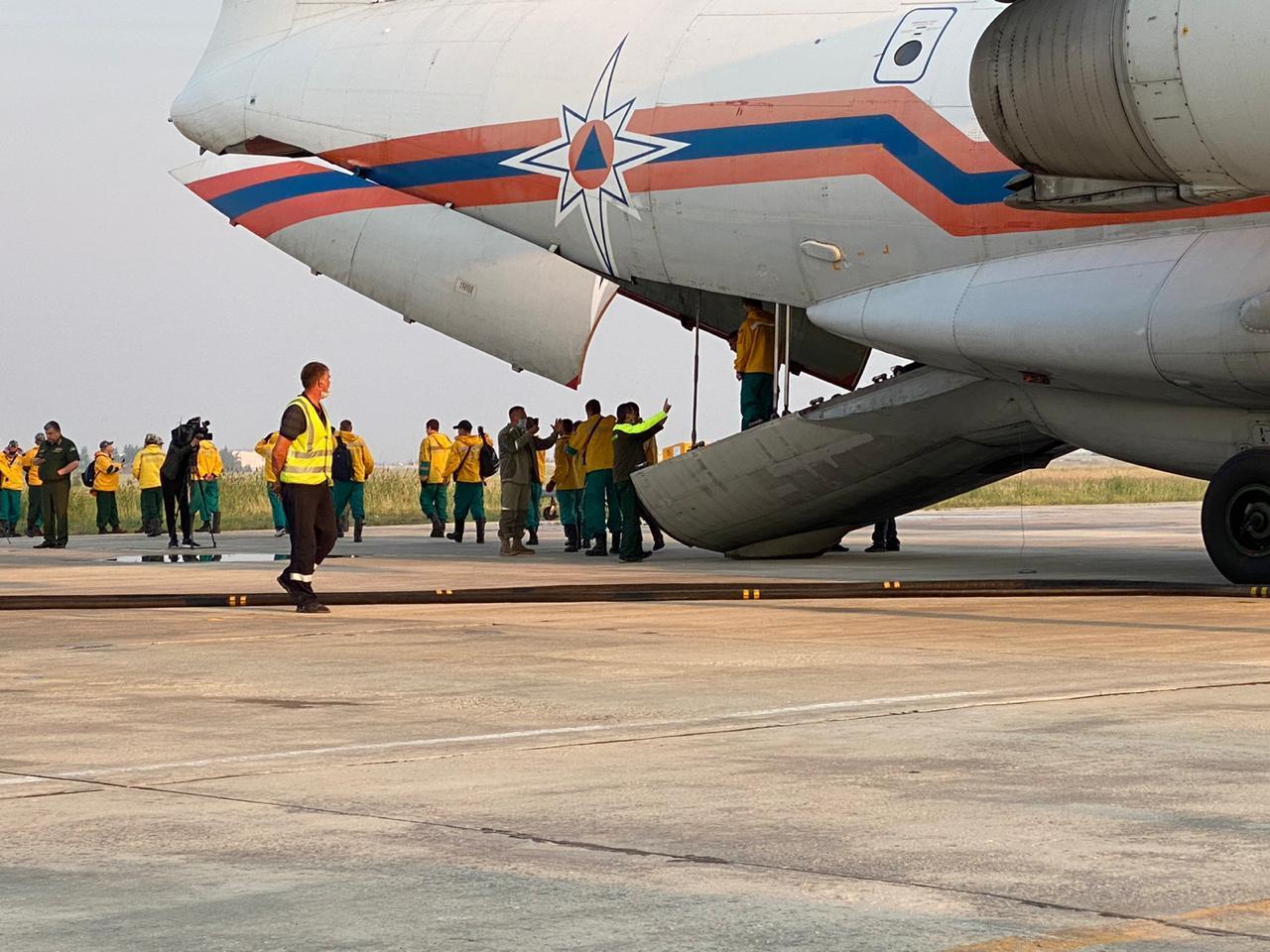 В Якутию для тушения пожаров прибыли 90 парашютистов-десантников
