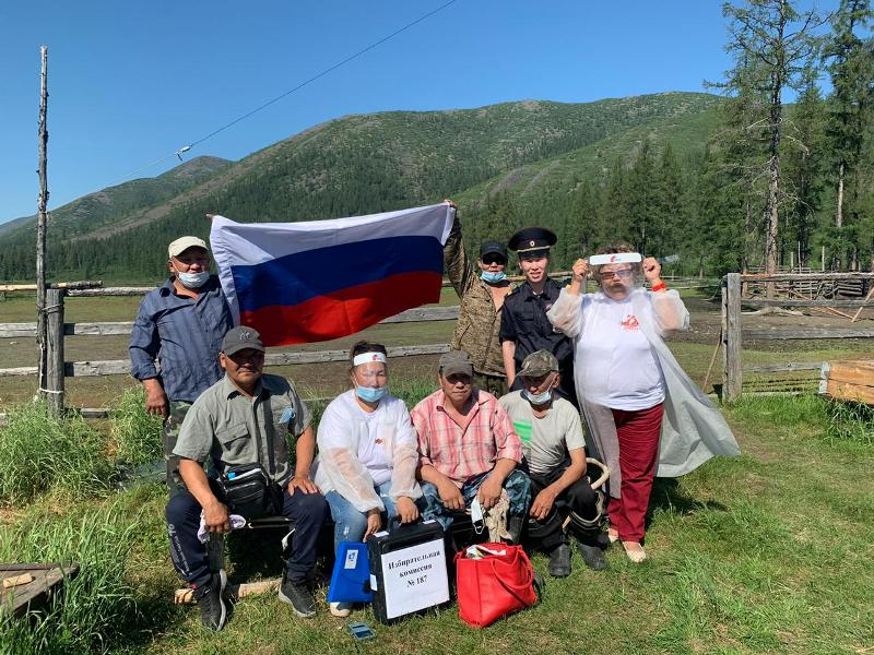 В оленеводческих общинах Жиганского района состоялось голосование по поправкам в Конституцию