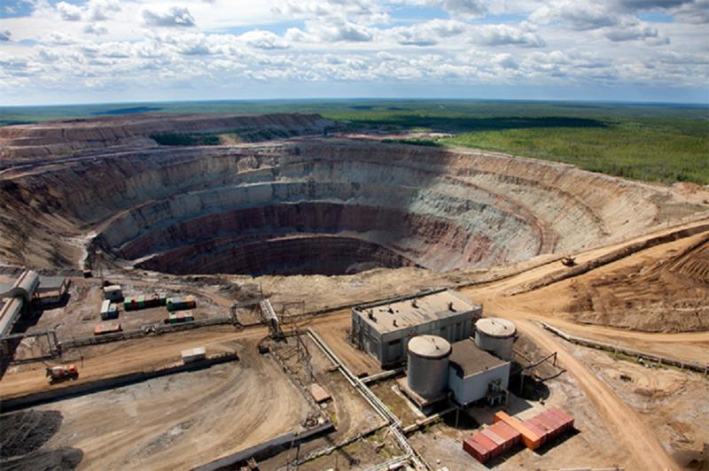 Прокуратура города Мирного проводит проверку по факту задымления на руднике «Интернациональный»
