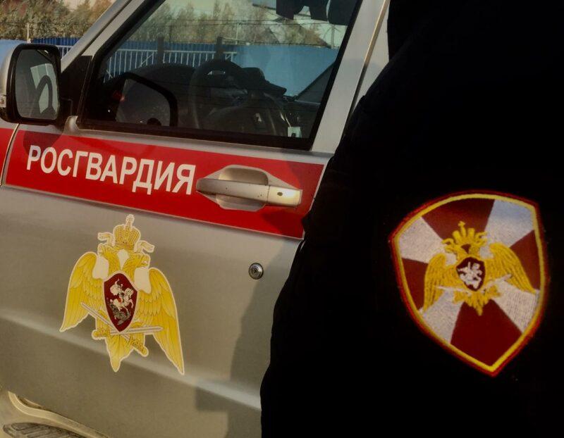 Росгвардейцы в одной из гостиниц Якутска задержали девушку, находящуюся в федеральном розыске