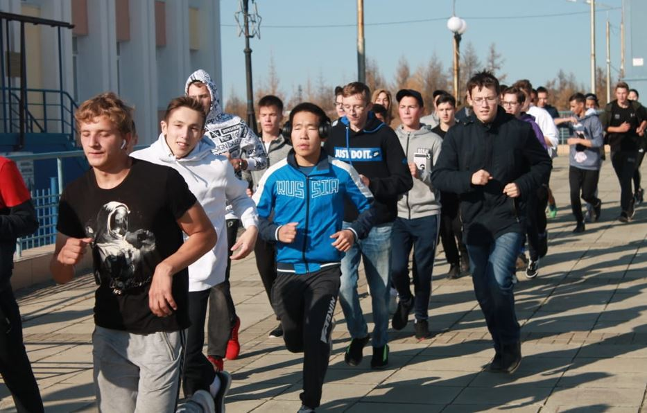 Айхальские студенты МРТК посвятили кросс юбилею системы профобразования