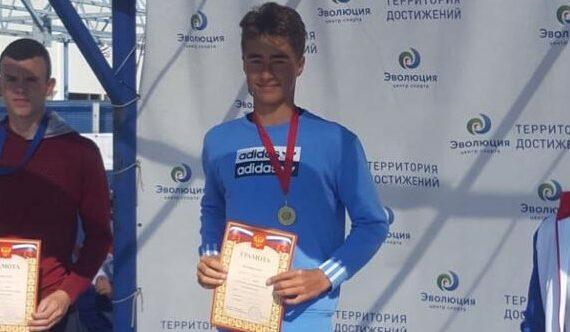 Якутские пловцы стали призерами чемпионата и первенства Республики Крым