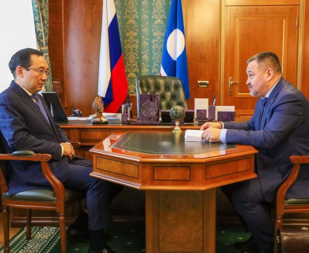 АйсенНиколаев встретился с главойАбыйскогорайона СтаниславомЦюхцинским