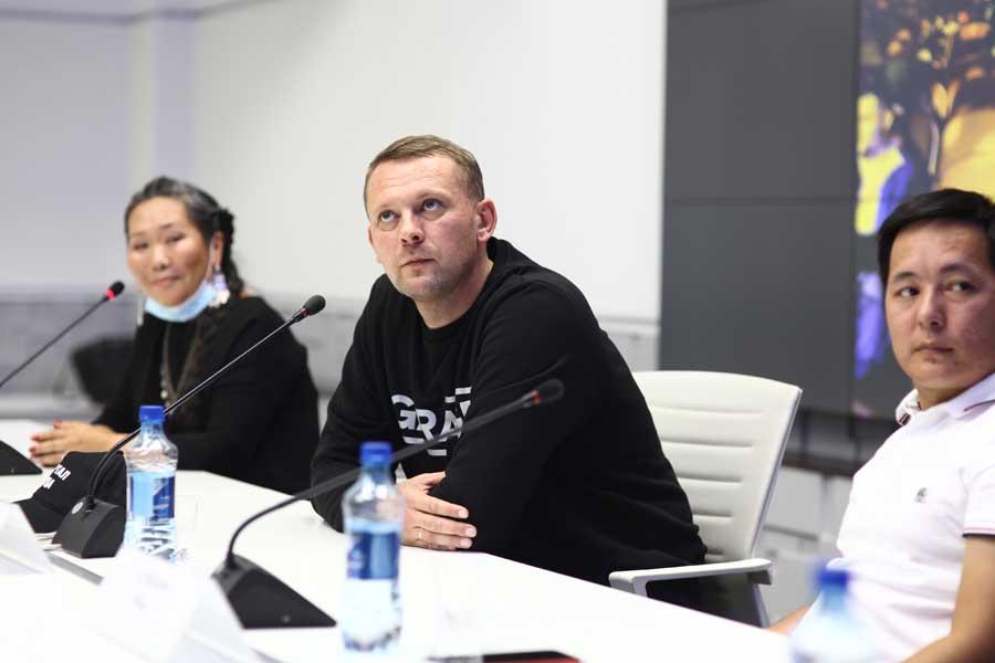 «Мои учителя - это фильмы». Дмитрий Давыдов о новых предложениях, славе и будущем якутского кино