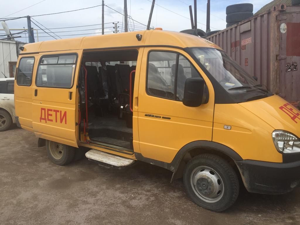 Минсельхоз закупил для сельских школ Якутии пять автобусов