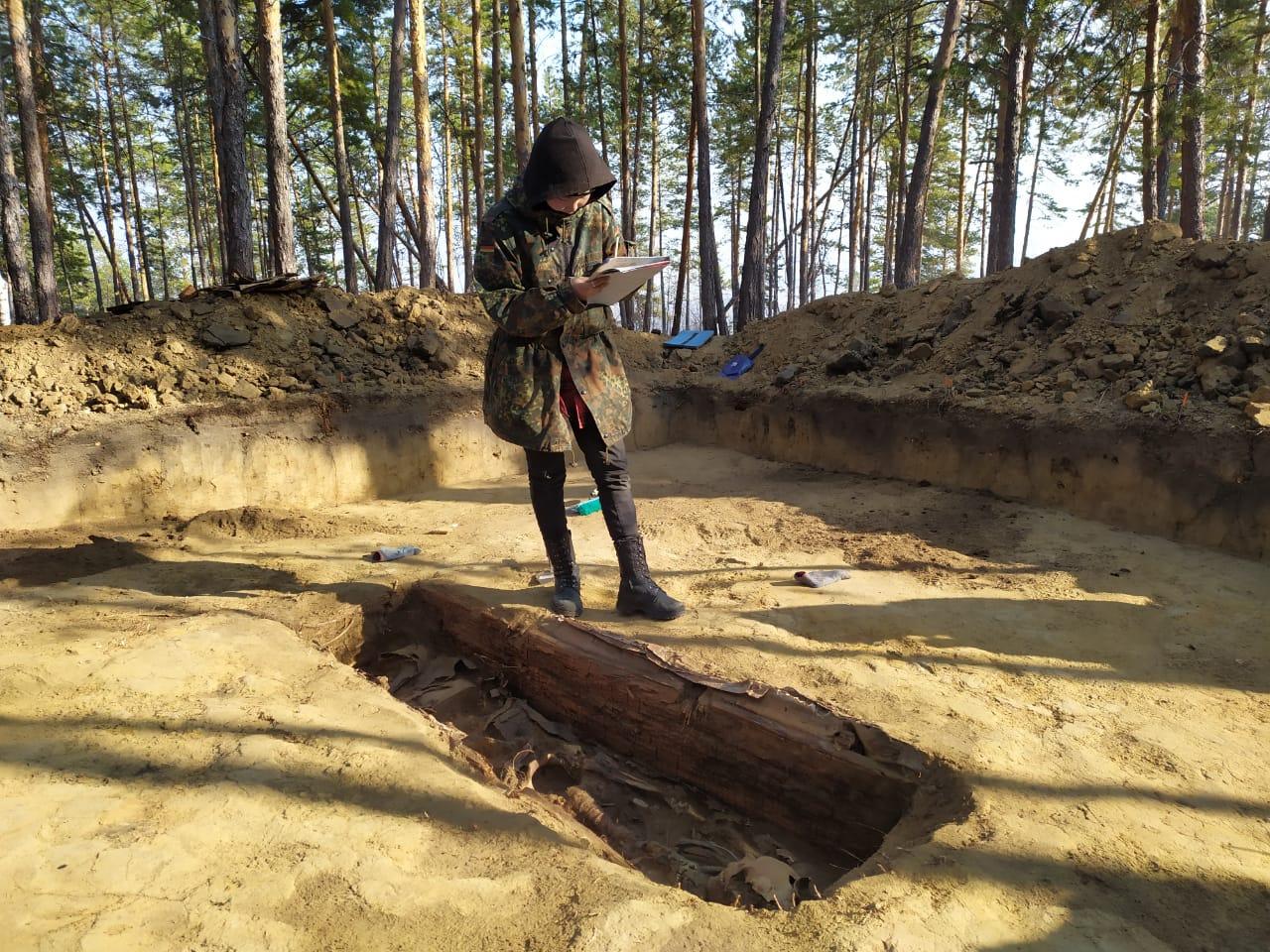 """""""Это был мужчина знатного происхождения"""". Подробности о найденном под Якутском древнем погребении"""