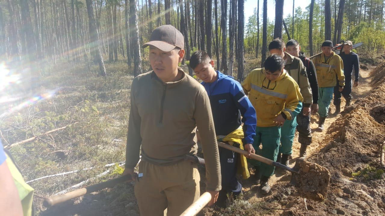 В Якутии тушат 11 лесных пожаров в четырех районах