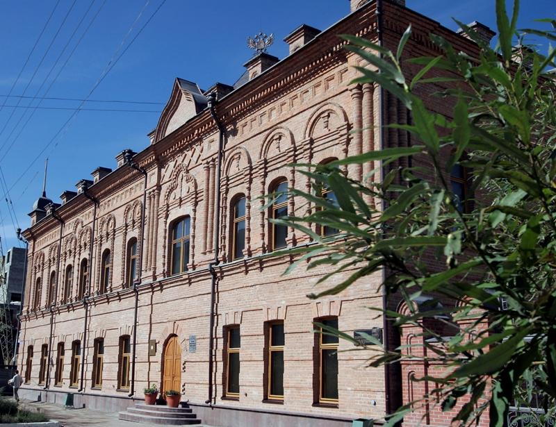 14 сентября 1925 года была основана Национальная библиотека Якутии