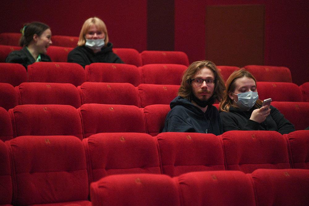 Театральные залы разрешат заполнить на 70 процентов