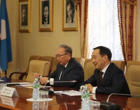 Айсен Николаев обсудил с руководством ПАО «Высочайший» и АО «Атомредметзолото» инвестиционные проекты в Якутии