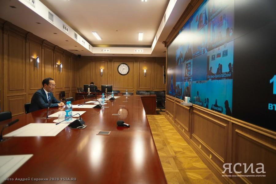 Глава Якутии призвал глав районов принимать самые строгие меры по стабилизации ситуации с COVID-19