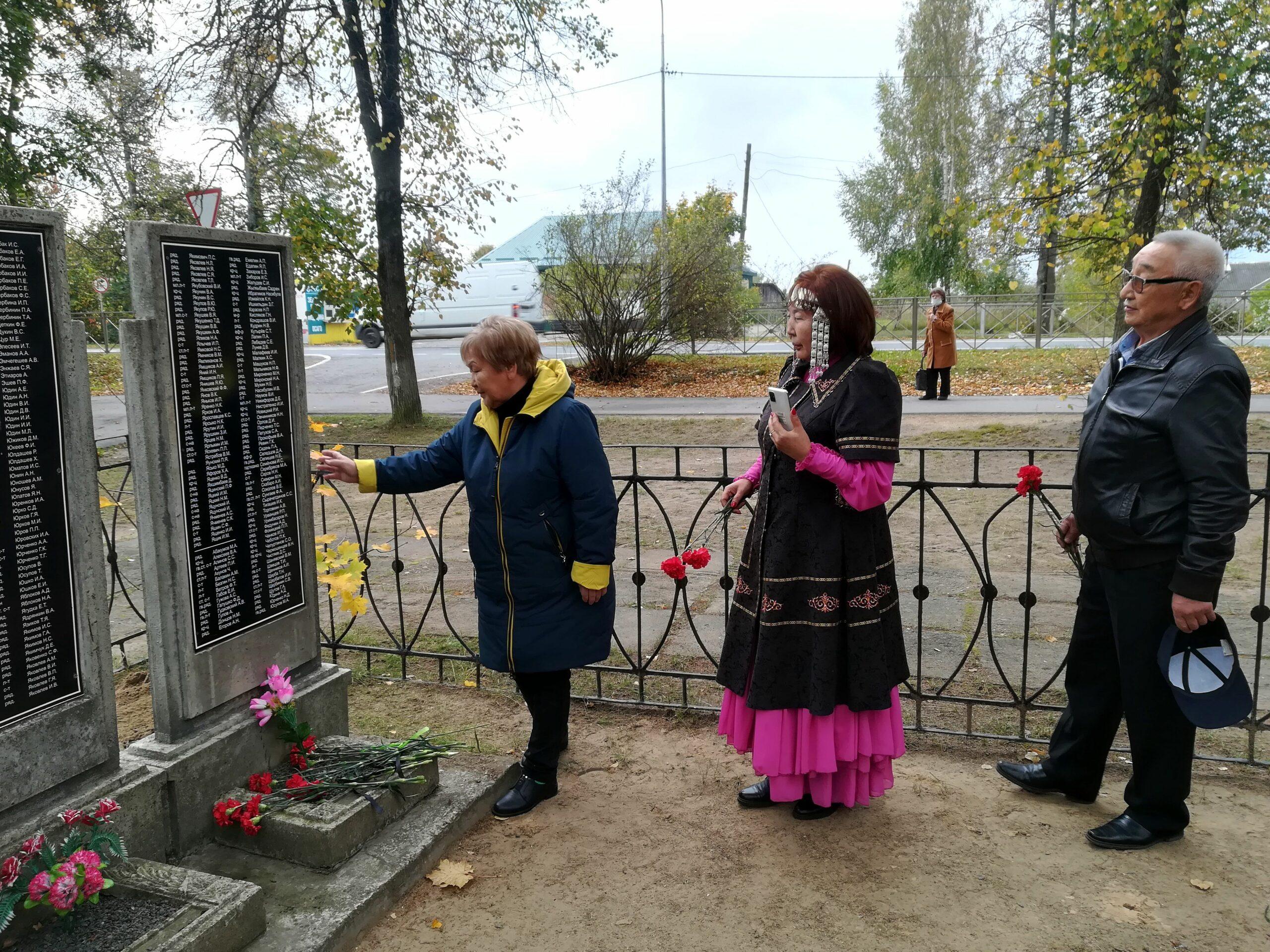 Имя еще одного воина-якутянина увековечили на братской могиле в Псковской области
