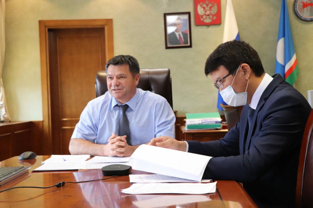 Андрей Тарасенко встретился с молодыми педагогами и студентами пединститутов Якутии