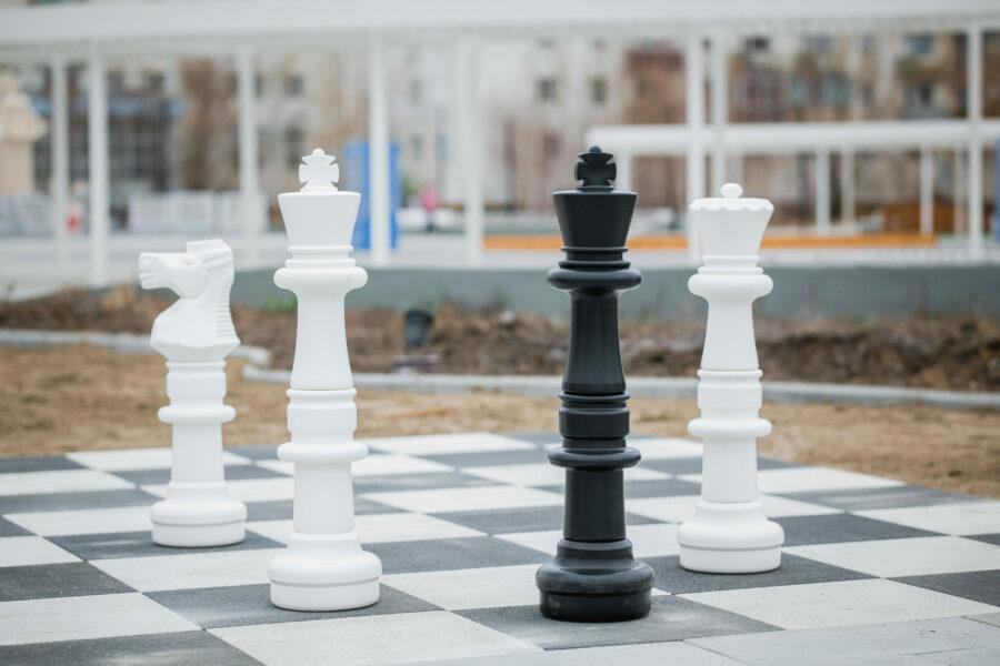 Е2 - Е4. В Жатае обустроили уличное шахматное поле