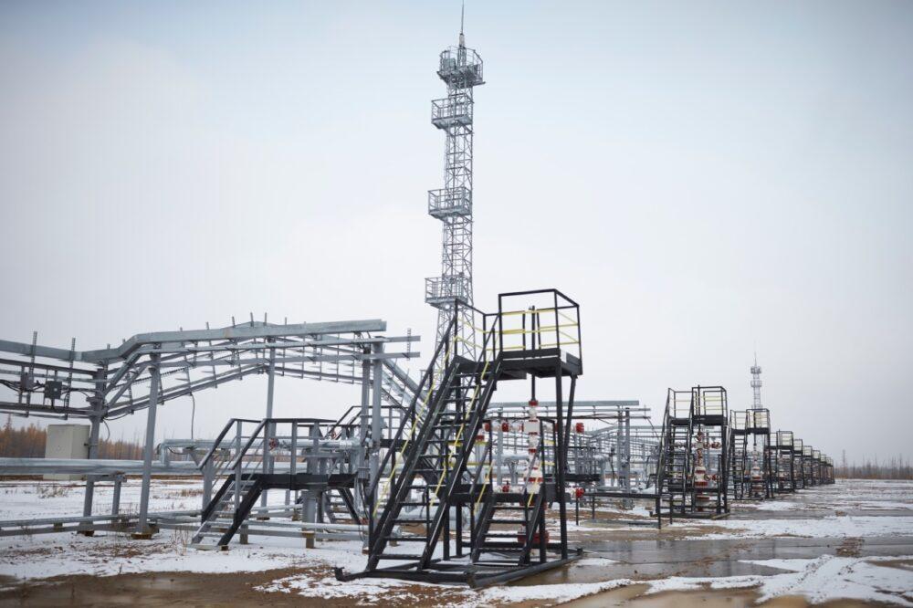 """Инфографика: 20 фактов о """"Таас-Юрях Нефтегазодобыче"""""""