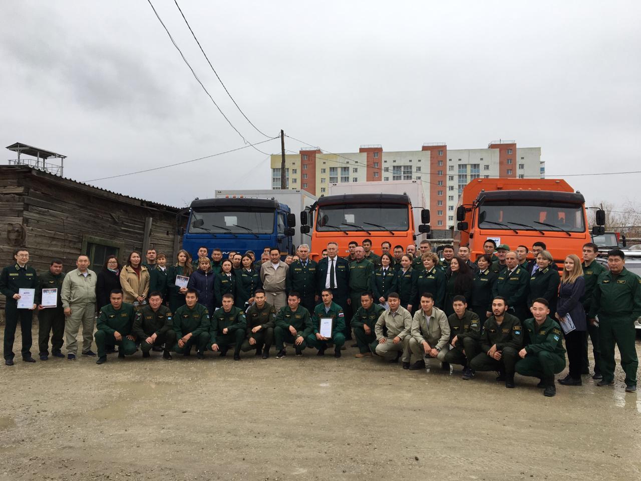 Сахамин Афанасьев поздравил личный состав Авиалесоохраны и Якутлесресурса с завершением пожароопасного сезона