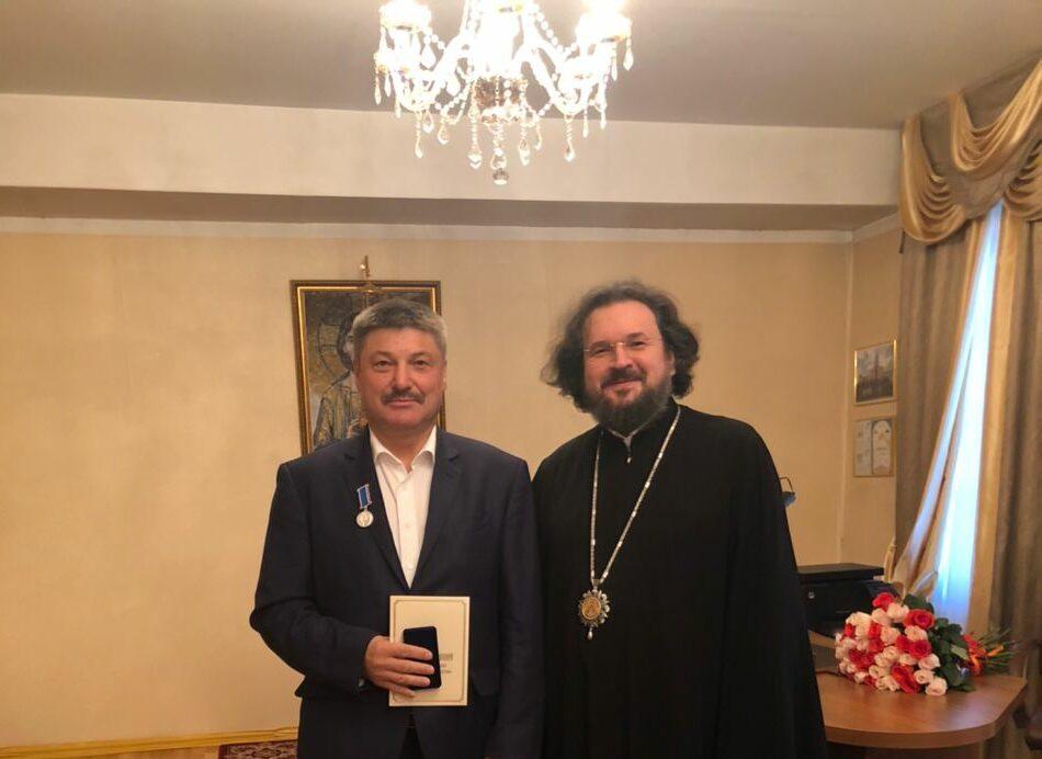 Якутская епархия наградила руководителя ЖДЯ Василия Шимохина юбилейной медалью