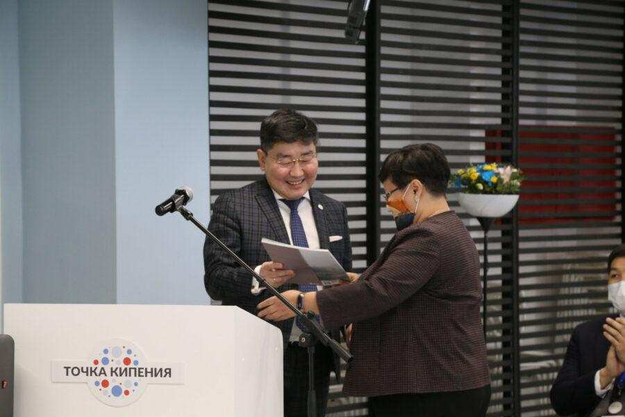 Сотрудничество Алмазэргиэнбанка и СВФУ выходит на новый уровень