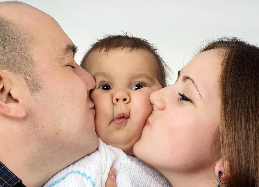 Правительство выделит дополнительные средства на поддержку семей с детьми