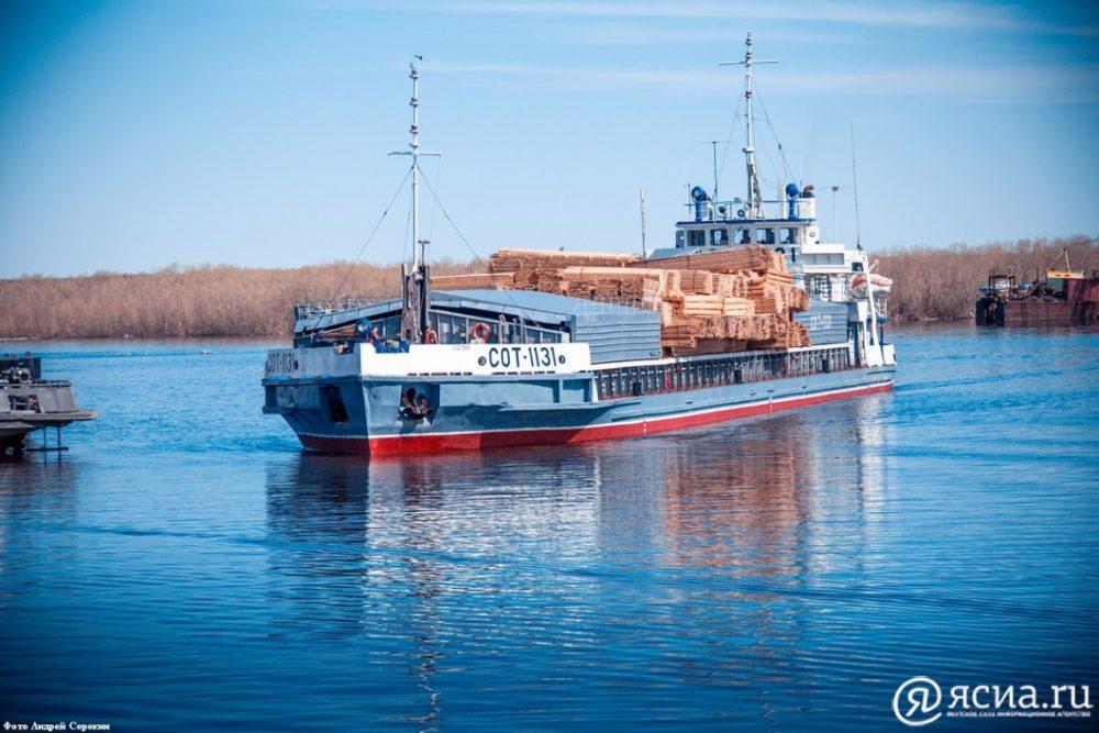 На реках Вилюй и Яна в Якутии уровень воды ниже проектных отметок, лимитирующих судоходство