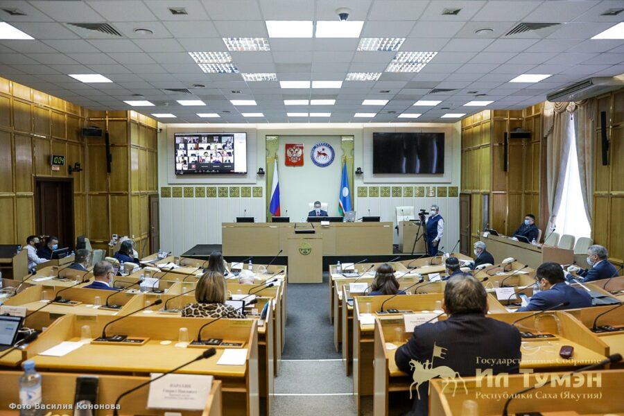 Афанасий Ноев: Между исполнительной и законодательной властями Якутии выстроено конструктивное взаимодействие