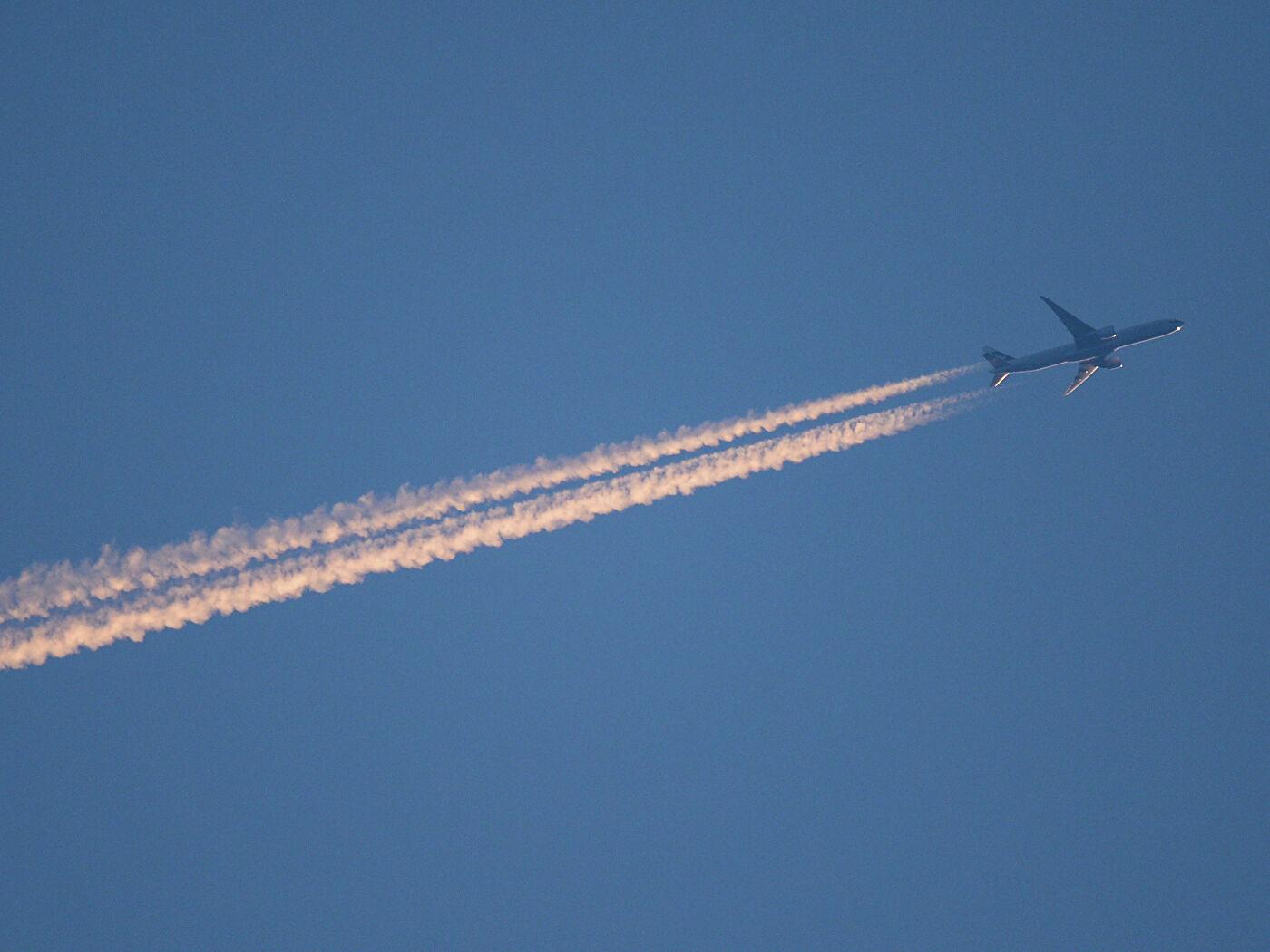 Глава Якутии: Дальневосточная авиакомпания должна решить вопрос с доступностью авиабилетов