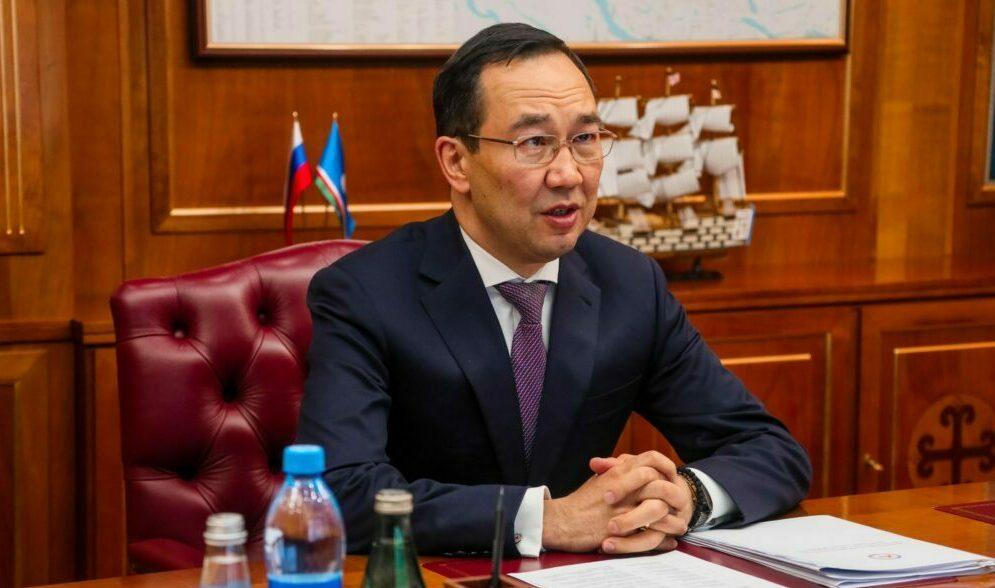 Глава Якутии обсудил проекты строительства школ в столице республики