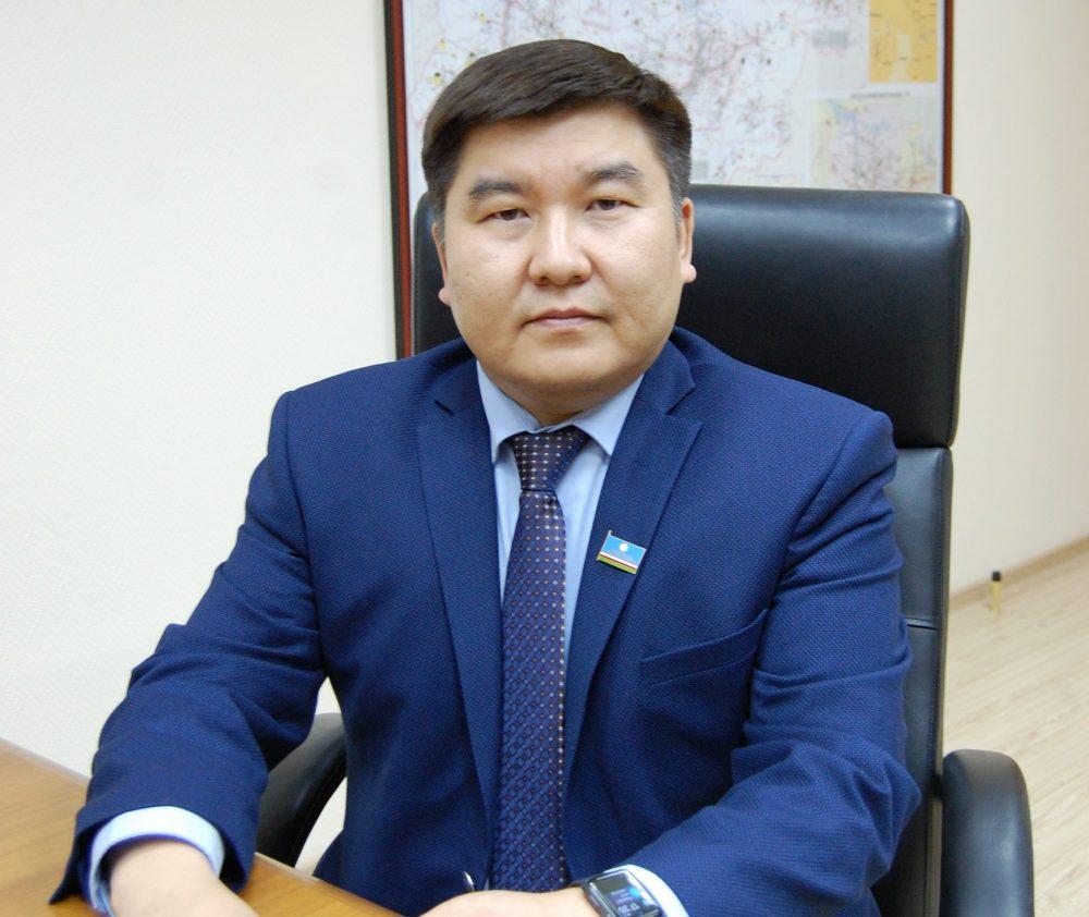 «Диалог с властью»: Первый заместитель министра экономики Данил Саввинов выступит в радиоэфире