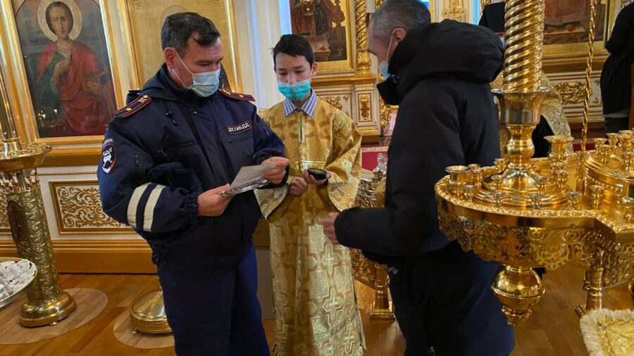 В Якутии прошел молебен по погибшим в ДТП