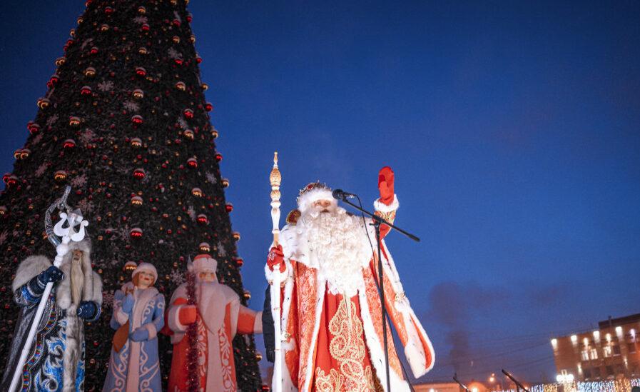 """Зажжение первой новогодней елки в стране покажут на канале НВК """"Саха"""""""
