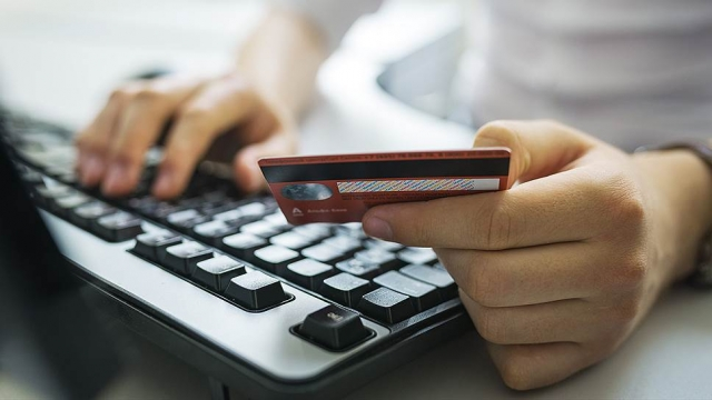 Дмитрий Базиленко: На уловки мошенников попадаются все, независимо от возраста