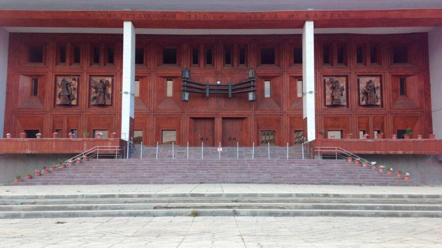 В Минкультуры Якутии прокомментировали возможность открытия учреждений культуры