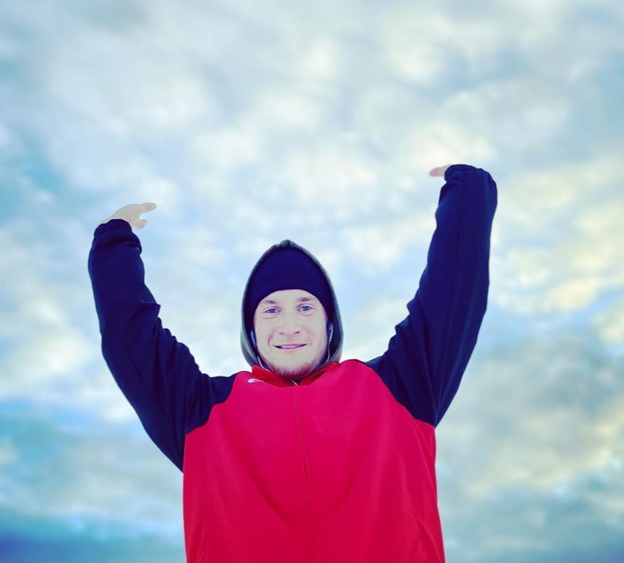 «Своими видео я хочу мотивировать молодежь». История успеха простого тиктокера из Якутии.