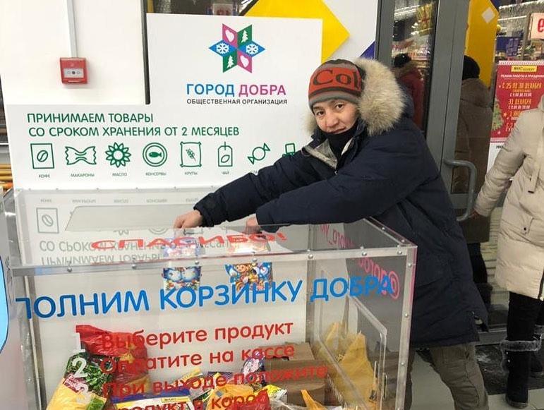Борцы и кикбоксеры Якутии приняли участие в новогодних благотворительных акциях