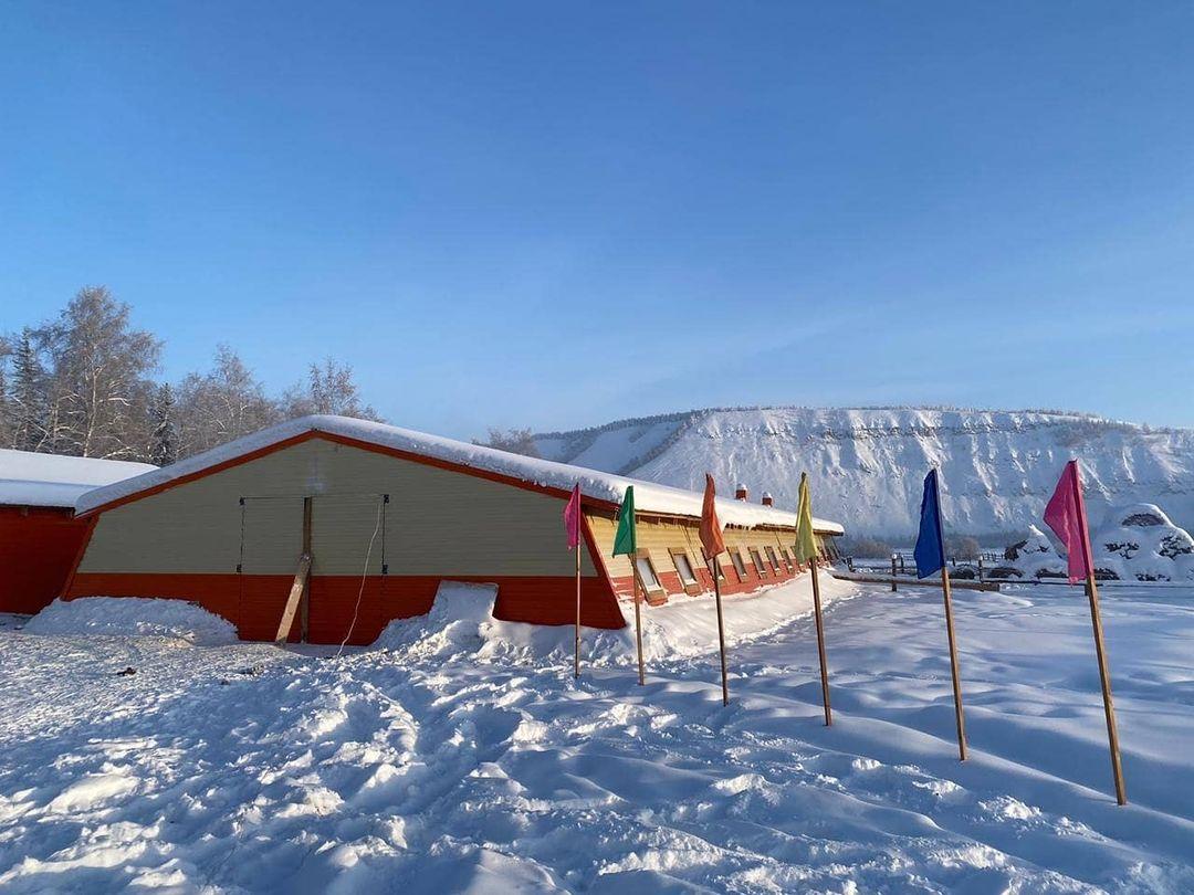 Животноводческий комплекс с солнечными батареями, где будут разводить якутскую породу коров, открыли в Якутии