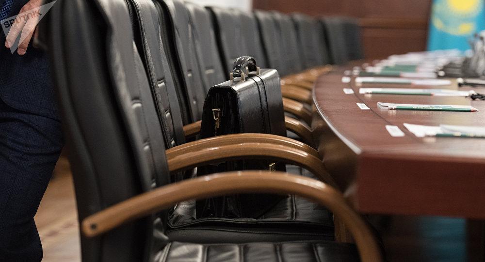 Сокращения в администрации главы и правительства Якутии продолжились в министерствах и ведомствах – подписан очередной указ