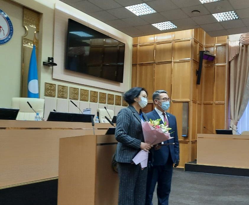 Евгении Григорьевой вручена Почетная грамота Государственного Собрания (Ил Тумэн)