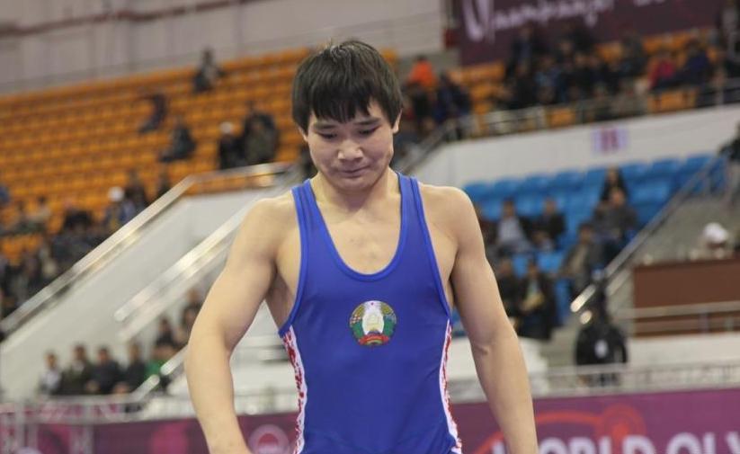 Владислав Андреев уступил на Кубке мира россиянину, но есть шанс на бронзовую медаль