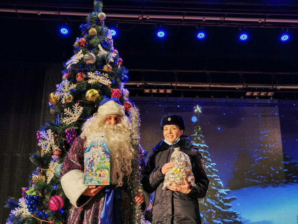 Полицейский Дед Мороз заступил на службу в Якутии