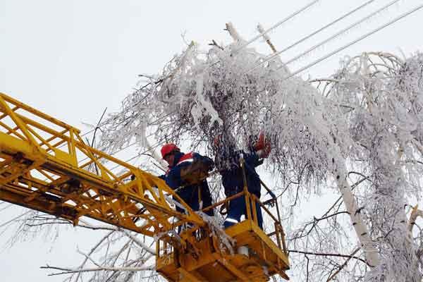 Энергетики восстанавливают электроснабжение в Нерюнгринском районе Якутии