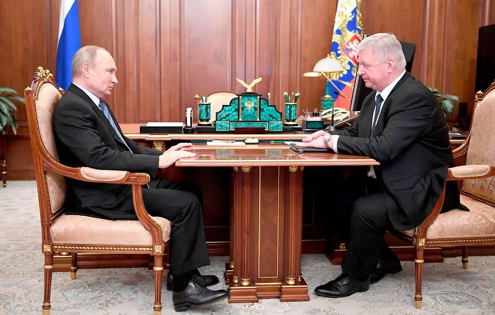 Путин: возможность индексации пенсий для работающих требует дополнительного рассмотрения