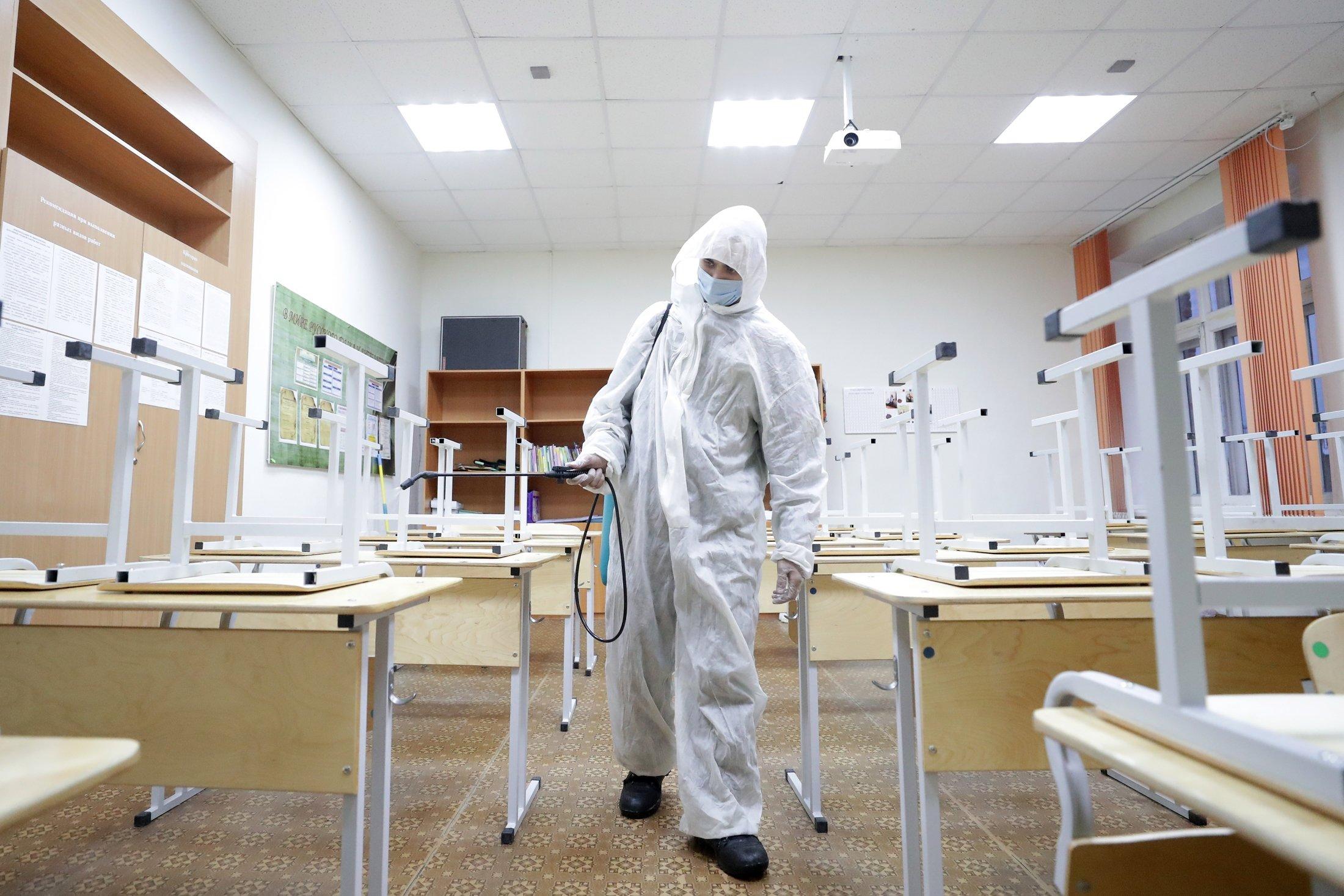 Роспотребнадзор продлил санитарные требования в школах до 2022 года